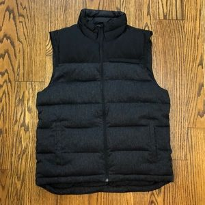 GAP men's puffer vest dark grey and black sz L